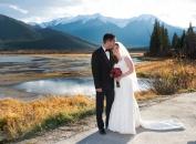 Vermillion Lakes wedding couple