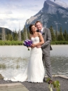 vermillion-lakes-couple_pamdoyle